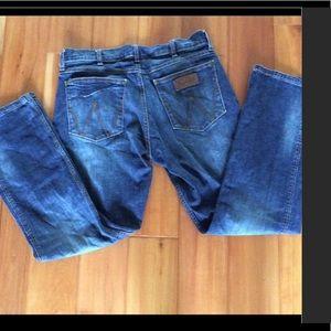 Wrangler Retro slim straight jeans size 34 x 30